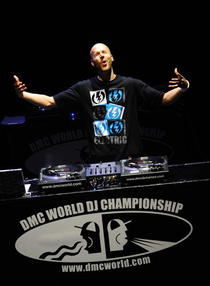 Vajra winning the 2011 DMC World DJ Championship